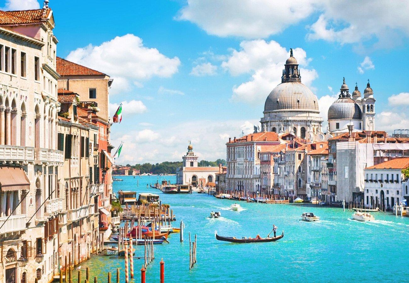 venezia canale giorno.jpg