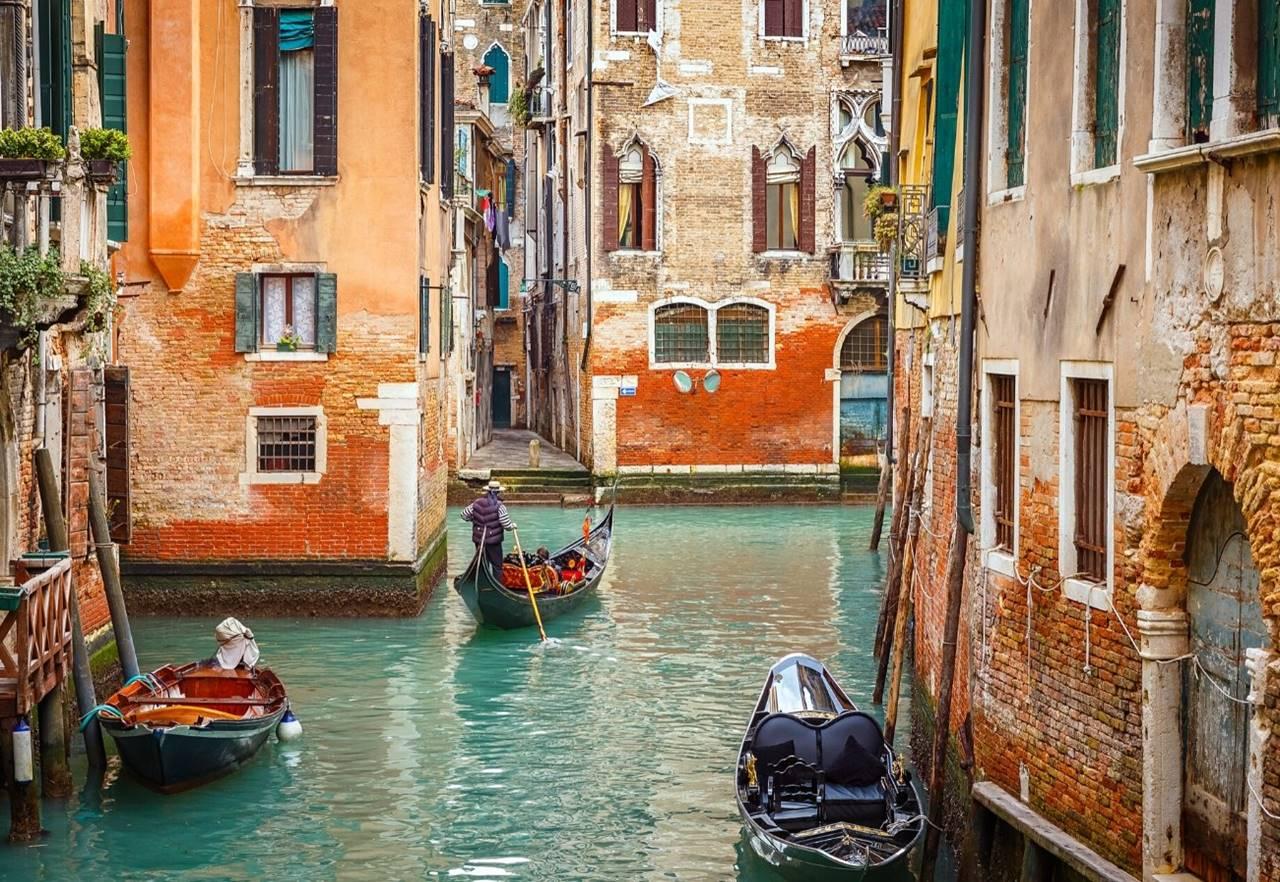 venezia gondola.jpg