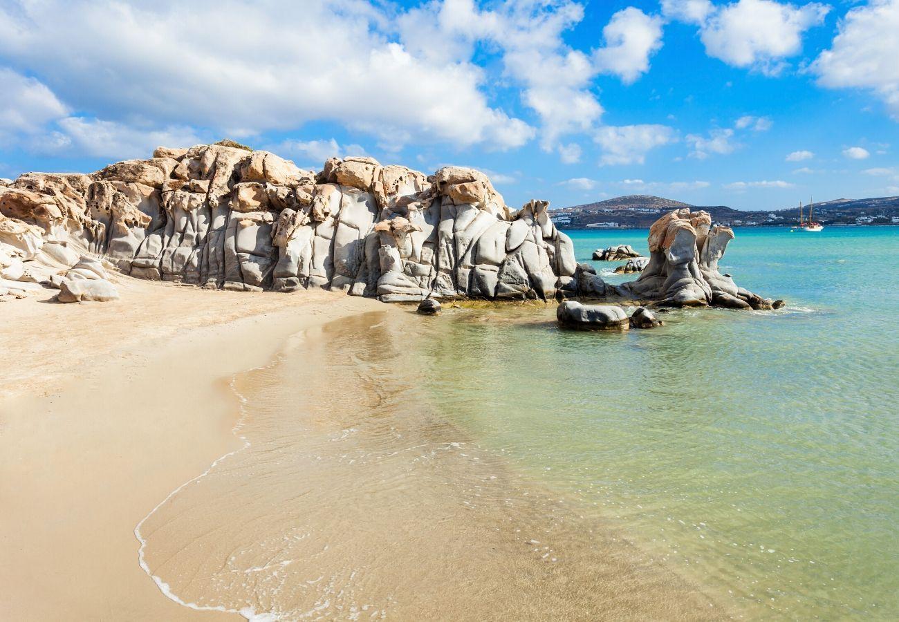 Le spiagge più belle dell'isola di Paros