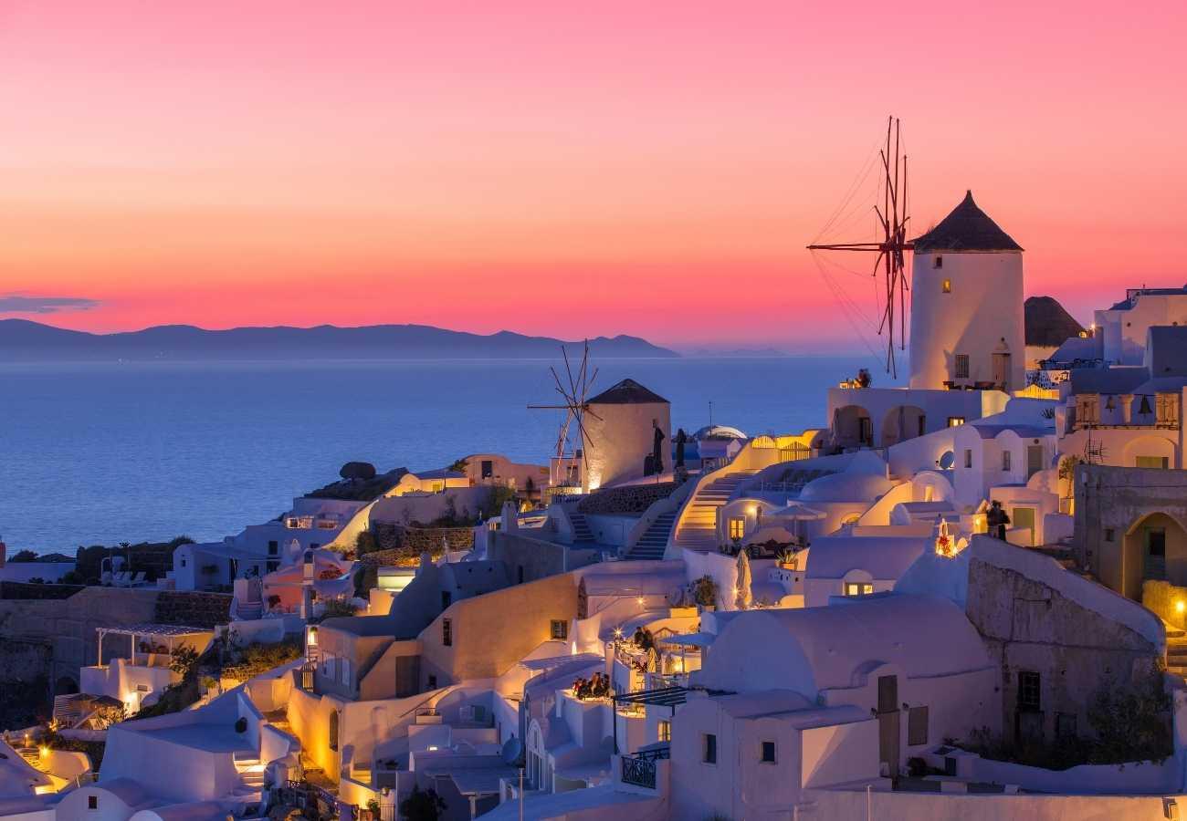 santorini tramonto viola.jpg