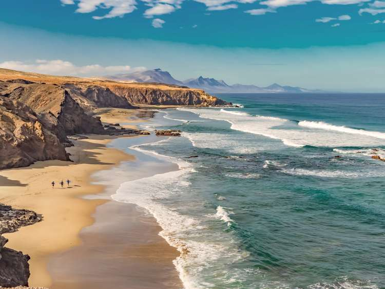 fue-fuerteventura-port-1b.jpg.image.750.563.low.jpg